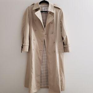 London Fog - Vintage tan trench coat